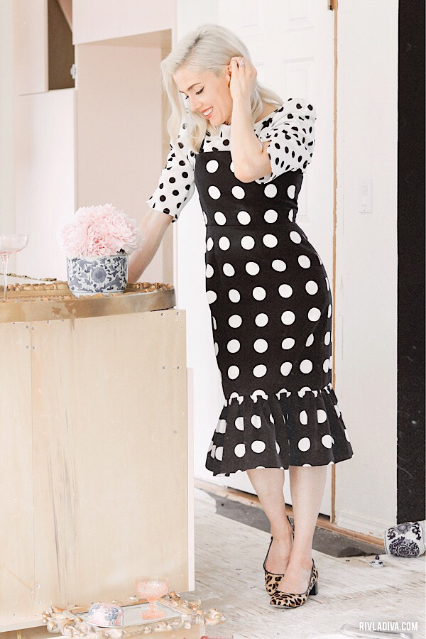 5 Easy Ways to Wear a polka dot outfit. Inspired by Gwen Stefani. Polka dot dress pattern is from vogue pattern  V8766.
